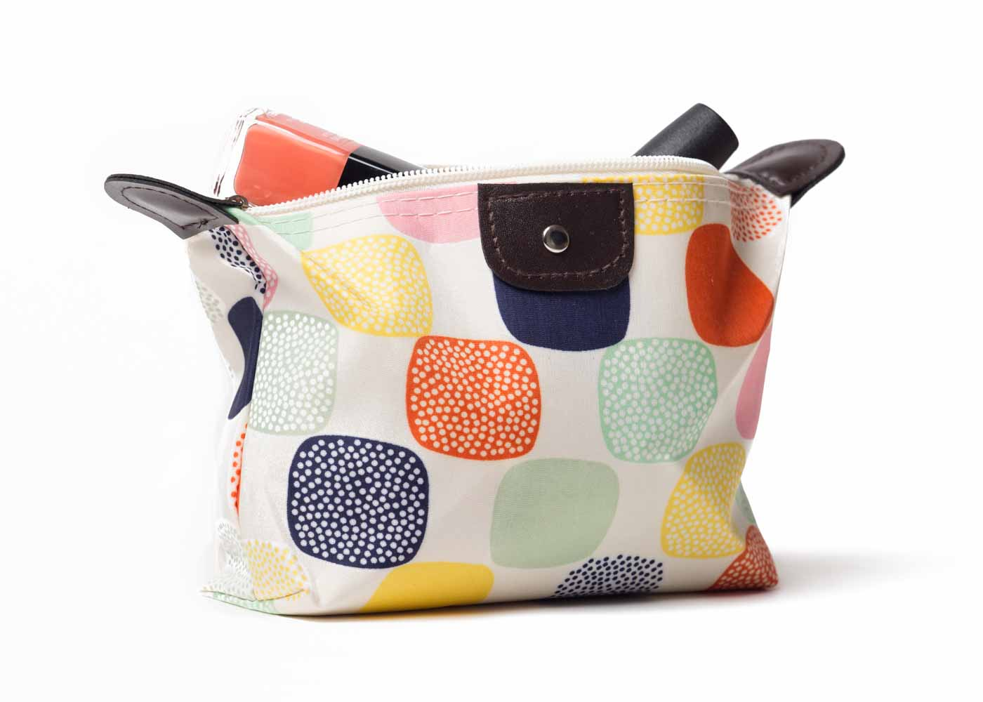 Parateck's cosmetic bag is both affordable and chic.