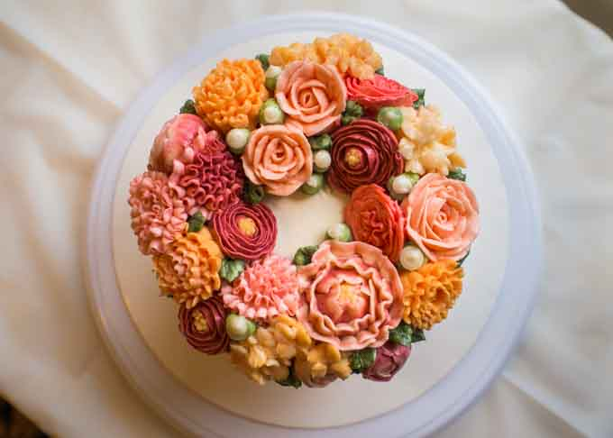 Classes - online or off - often make great last minute gifts. For example, a budding baker might enjoy a buttercream flower course.