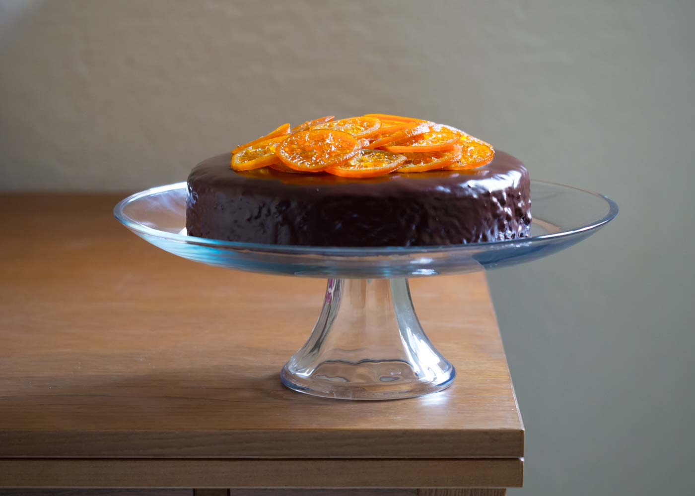The bottom half of Anchor Hocking's 'Presence' cake stand (with clementine cake).